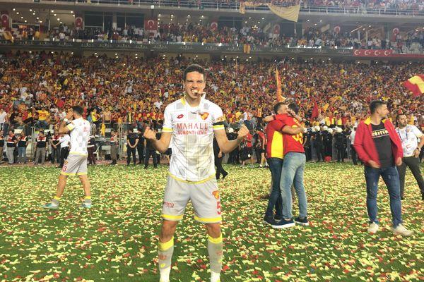 Dans une ambiance de folie, le 4 juin dernier, le club de Léo Schwechlen gagnait aux penalties le droit de monter en 1ère Division Turque !