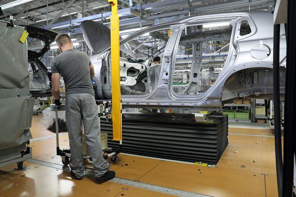 L'usine de PSA Mulhouse fabrique la 2008, la DS7 et les Peugeot 508 en version berline et break