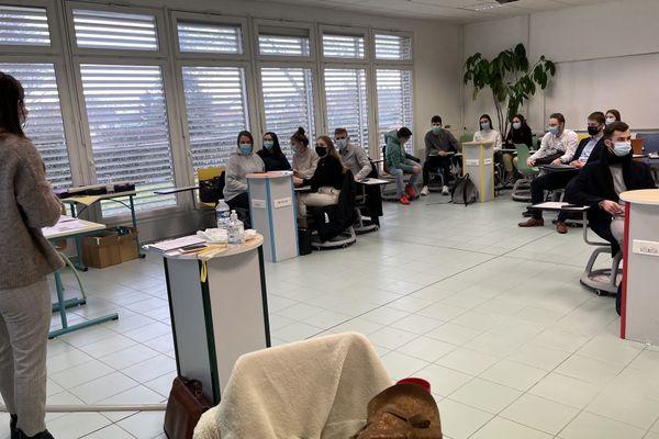 Une trentaine d'étudiants du lycée Colbert de Reims ont planché sur le ecommerce.