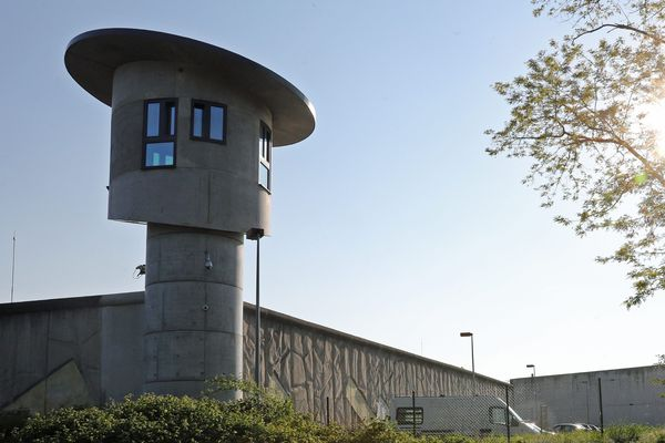 L'incendie s'est déclaré mercredi 20 mai 2020 en début de soirée dans une cellule du  quartier des mineurs de l'Elsau à Strasbourg