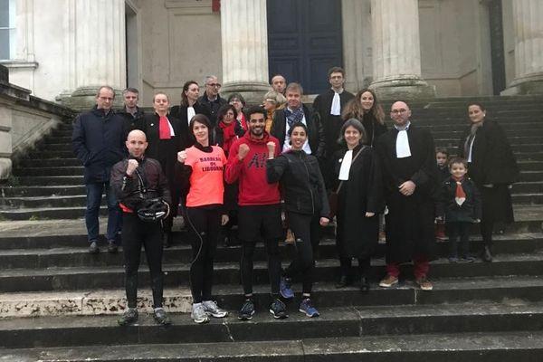 Les avocats sont arrivés au tribunal de Libourne vers 20h30, mercredi soir.