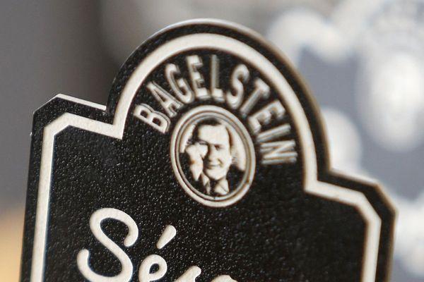 Un tag antisémite a été découvert sur une vitrine d'un restaurant Bagelstein dans le IVe arrondissement de Paris.