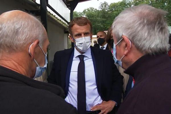 Ce lundi 4 mai, le président de la République Emmanuel Macron visitait le refuge St Adrien à Gray (Haute-Saône)