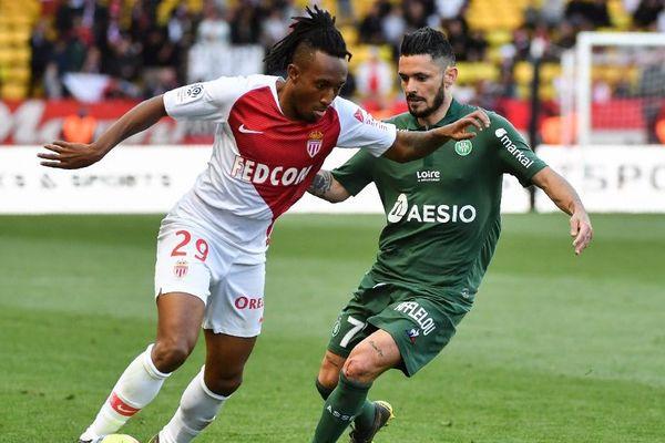 Le Monégasque Gelson Martins (G) face au défenseur stéphanois Remy Cabella (D), le 5 mai 2019