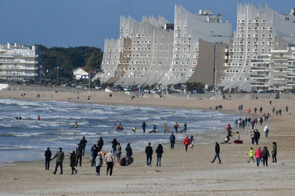 La plage de La Baule (23 février 2021), c'est sensiblement à cet endroit qu'un joggeur a échappé à un contrôle de police en nageant vers le large