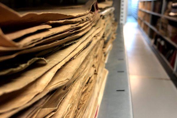 Soixante albums et une dizaine de vinyles sont numérisés chaque jour dans la DNC (Discothèque Numérique Centrale).