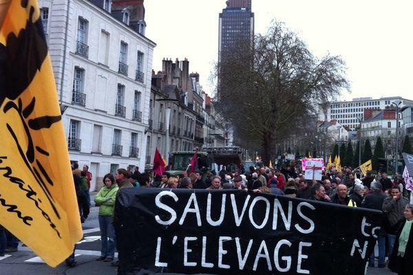 Un millier d'éleveurs de l'ouest de la France à Nantes pour dire la précarité de leur situation