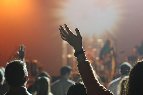 Avec le pass culture, il est possible d'acheter des places de concert, des livres, des films…