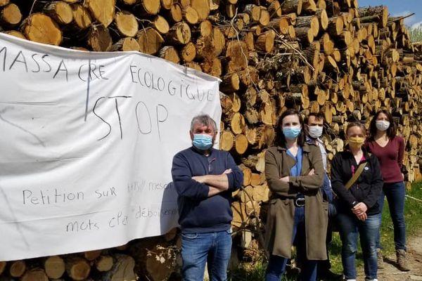 """Les habitants déplorent une """"catastrophe écologique"""" dans une pétition lancée en avril 2021."""