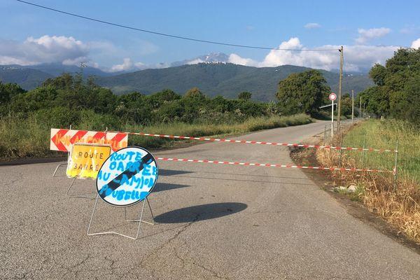 11/05/2018 - Les voies d'accès au CET de Prunelli di Fium'Orbu (Haute-Corse) ont été barrées.