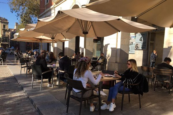 Les Catalans profitent de la réouverture des terrasses