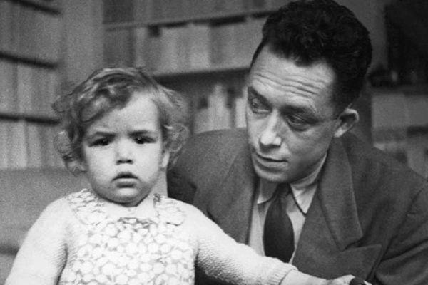 Albert Camus et sa fille Catherine en Espagne (date non précisée)