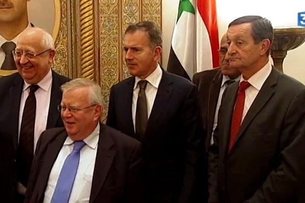François Zocchetto (au centre, cravate marron) lors de l'entrevue avec Bachar al-Assad en Syrie