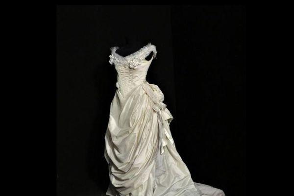 Cette robe de la Traviata est mis aux enchères par le Théâtre du Capitole