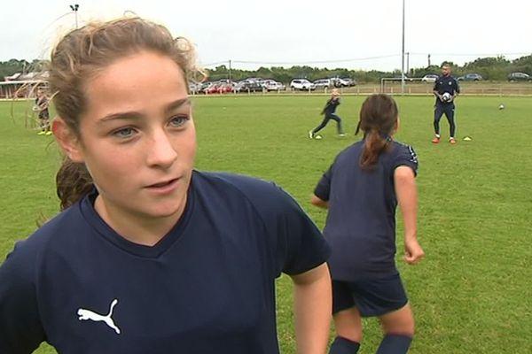Léa 12 ans, joueuse aux Girondins de Bordeaux