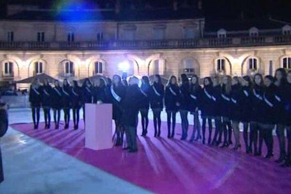 Les Miss hier soir, place de la Libération à Dijon