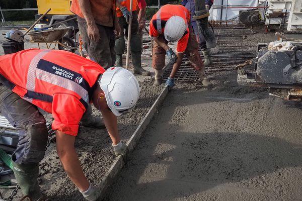 La reprise de des chantiers s'annonce lente et progressive en Centre-Val de Loire, où 88 % des entreprises ont dû stopper totalement leur activité.