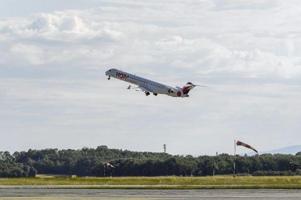 L'Auvergne-Rhône-Alpes compte 7 aéroports à Lyon, Clermont-Ferrand, Saint-Etienne, Le Puy-en-Velay, Aurillac, Valence et Chambéry.