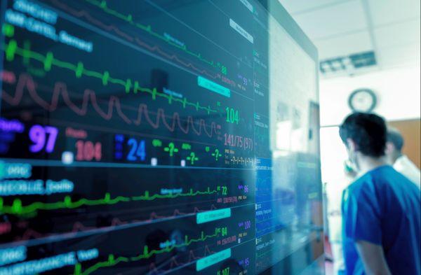 Dans l'unité d'anesthésie-réanimation, Covid-19, tous les patients sont contrôlés en permanence.