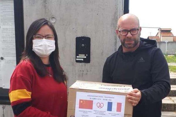 70 donateurs ont participé, entre 10 et 1.000 euros, de quoi faire monter la cagnotte et permettre une deuxième commande.