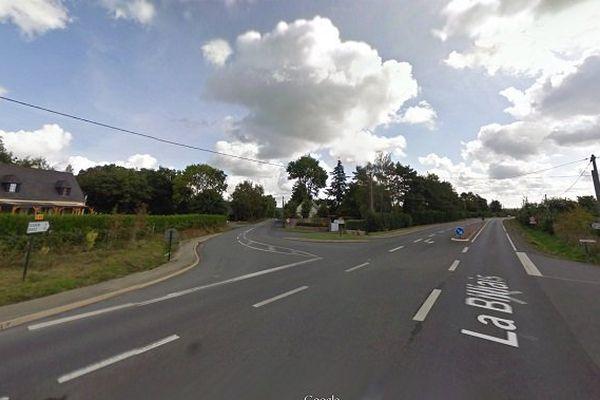 C'est sur cette route RD38 à Baulon (35) que le corps sans vie du piéton fauché a été retrouvé