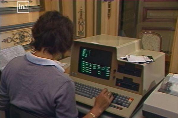 13 septembre 1983 : redécouvrez un ordi vintage et sa disquette moderne