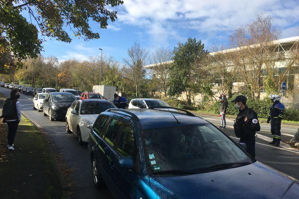 Contrôles de validité des attestations de sortie en centre-ville de La Rochelle