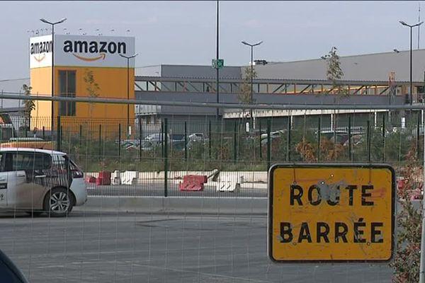 L'entrepôt de Douai (Nord) est l'un des cinq centre de stockage d'Amazon en France