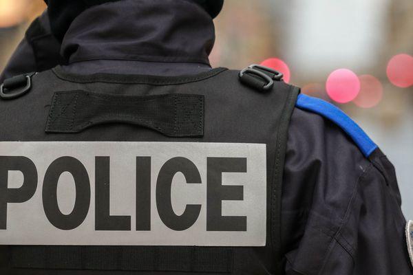 """Les policiers défilent à Paris pour une """"marche de la colère"""" mercredi 2 octobre."""