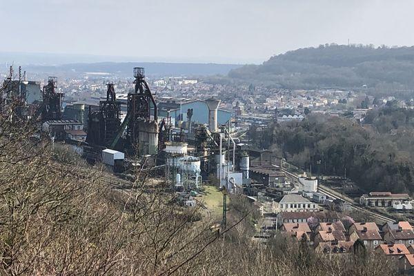 Les usines sidérurgiques de la vallée de la Fensch étaient confrontées à une situation inédite : comment assurer la poursuite de la production face à l'inquiétude des salariés ? Elles ont plié dans la soirée de mercredi en annonçant l'arrêt total pour jeudi matin 5 heures.