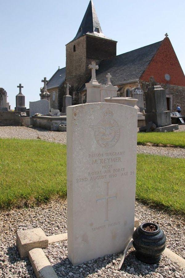 La tombe de Michael Keymer à Bazinghen.