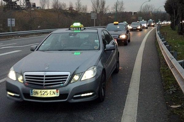 Plusieurs centaines de taxis dans et autour de Toulouse