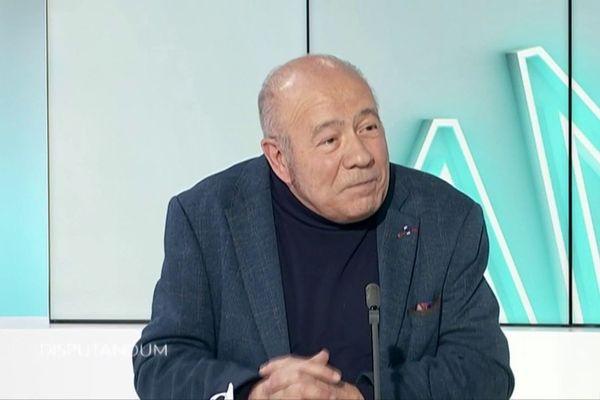 Professeur Roger Gil, directeur de l'Espace Réflexion Ethique de Nouvelle-Aquitaine, professeur émérite de neurologie au CHU de Poitiers