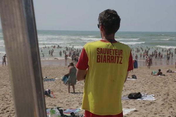 Il y a 57 sauveteurs en mer qui surveillent le littoral basque.
