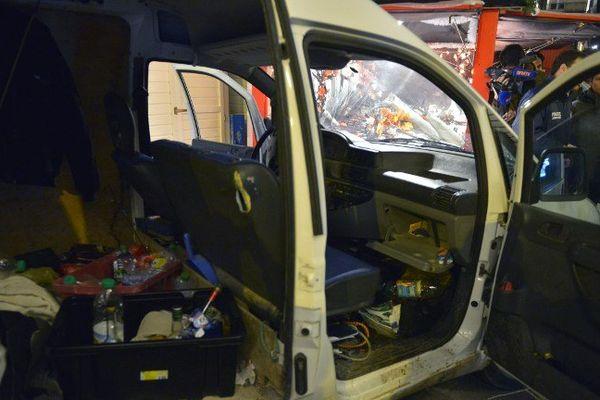 La camionnette de Sébastien Sarron, lundi soir après le drame.