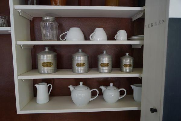 Dans la cuisine de la villa E-1027, tous les rangements sont indiqués.