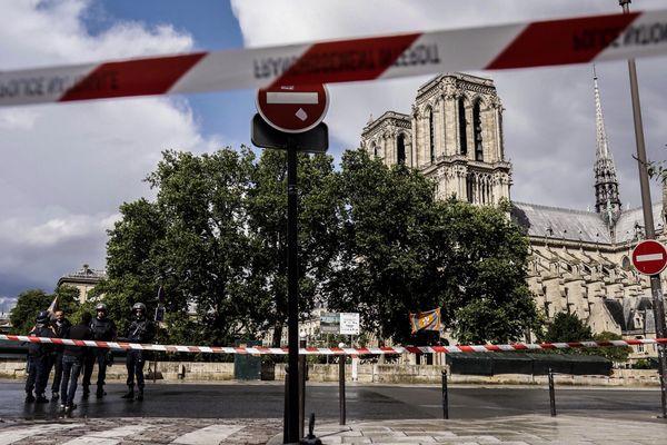 Les accusées avaient tenté de faire exploser une voiture à l'aide de bonbonnes de gaz près de Notre-Dame, en septembre 2016.