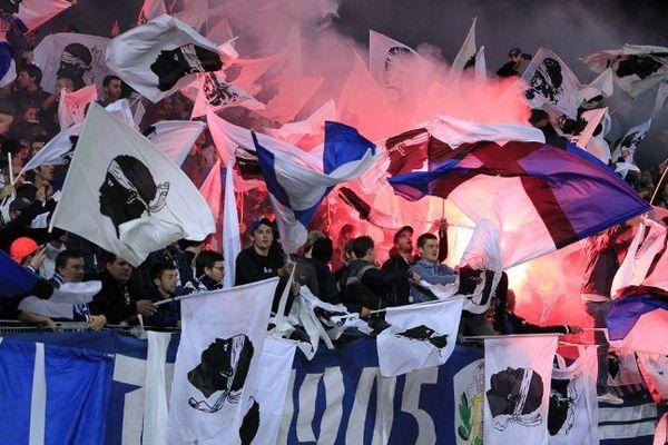 ILLUSTRATION - Bandera dans les tribunes des supporters bastiais