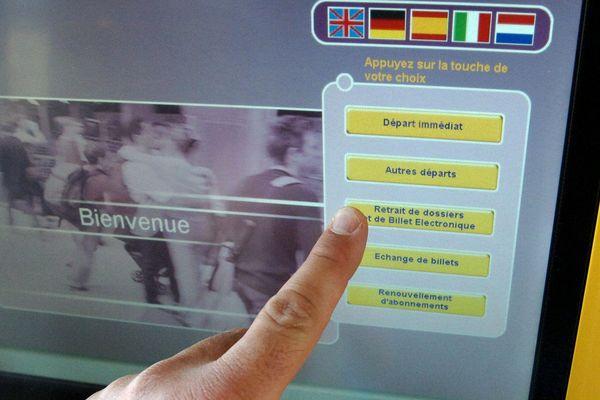 C'est la course aux billets SNCF pour ce week-end de départ de vacances de Noël.