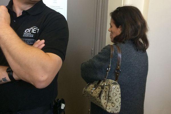 Au dernier jour de son procès devant la cour d'assises de la Corrèze, ce vendredi 16 novembre 2018, Rosa-Maria Da Cruz est arrivée seule, toujours aussi mutique, le visage fermé.