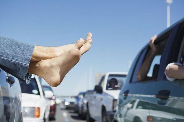 Applications et services web se développent pour libérer les automobilistes des bouchons.