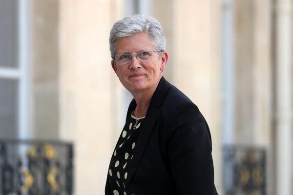 Geneviève Darrieussecq, ministre déléguée auprès de la ministre des Armées, sur le perron de l'Elysée le 7 juillet 2020.