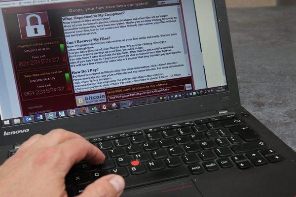 Illustration : certaines cyberattaques bloquent des systèmes informatiques jusqu'à la remise d'une rançon.