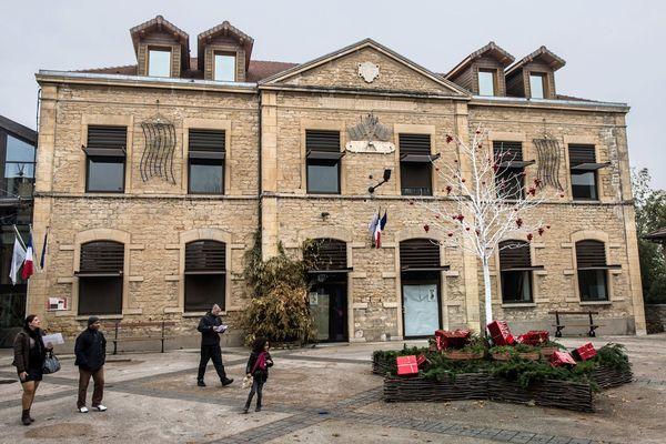 La mairie de L'Isle d'Abeau en Isère