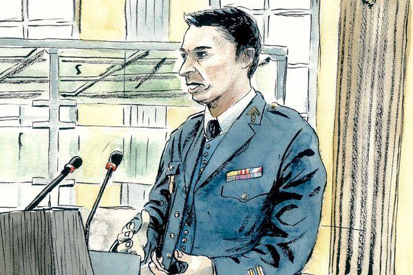 Le lieutenant-colonel de gendarmerie Emmanuel Pham-Hoai, expert en recherche ADN, revient sur son travail dans l'affaire Kulik, devant les assises de la Somme le mardi 26 novembre 2019.