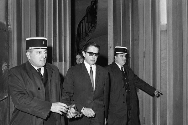 Arrivée de Bernard Cousty, au palais de justice de Bordeaux le 26 mars 1973 pour y être rejugé par la Cour d'Assises de la Gironde après avoir été condamné à la peine capitale par la Cour d'Assises de la Haute-Vienne.