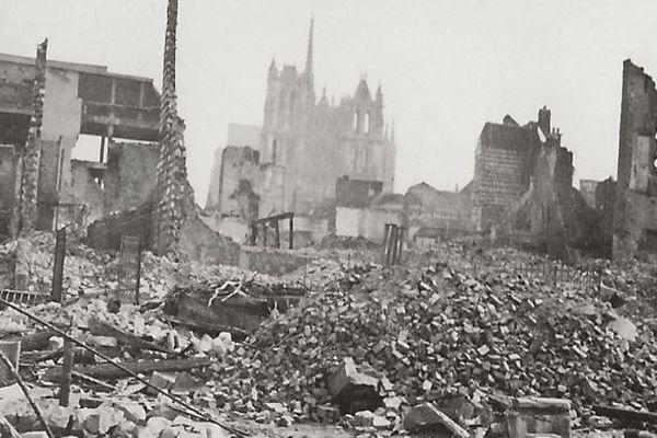 Malgré leur infériorité numérique et matérielle, les Français ont résisté face aux Allemands aux portes d'Amiens en mai 1940.
