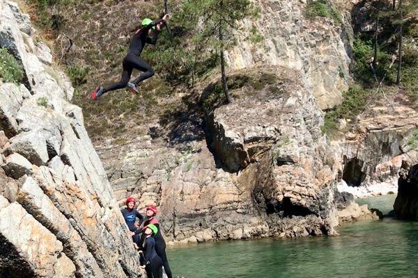 Coasteering, le saut vers l'aventure