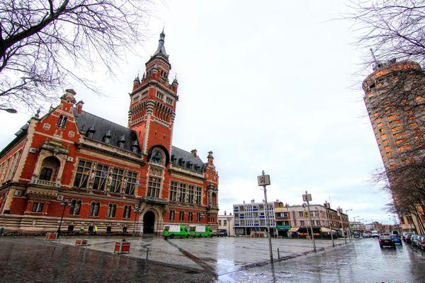 Le taux d'incidence à Dunkerque est désormais de 415 alors qu'il avait atteint 1039 fin février 2021.