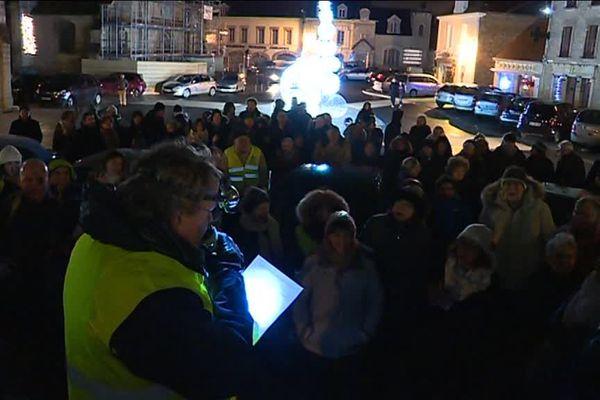 300 personnes réclament l'ouverture d'un lieu d'accueil pour les migrants.